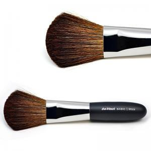 Powder brush with brown mountain goat hair 9522