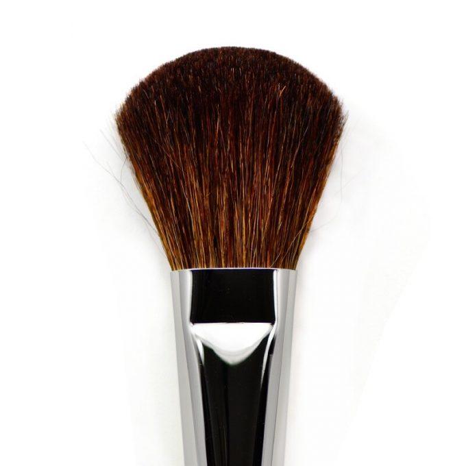 Powder brush with brown mountain goat hair 9522