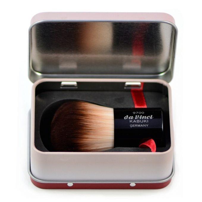 KABUKI powder brush with smooth synthetic fibres 9700